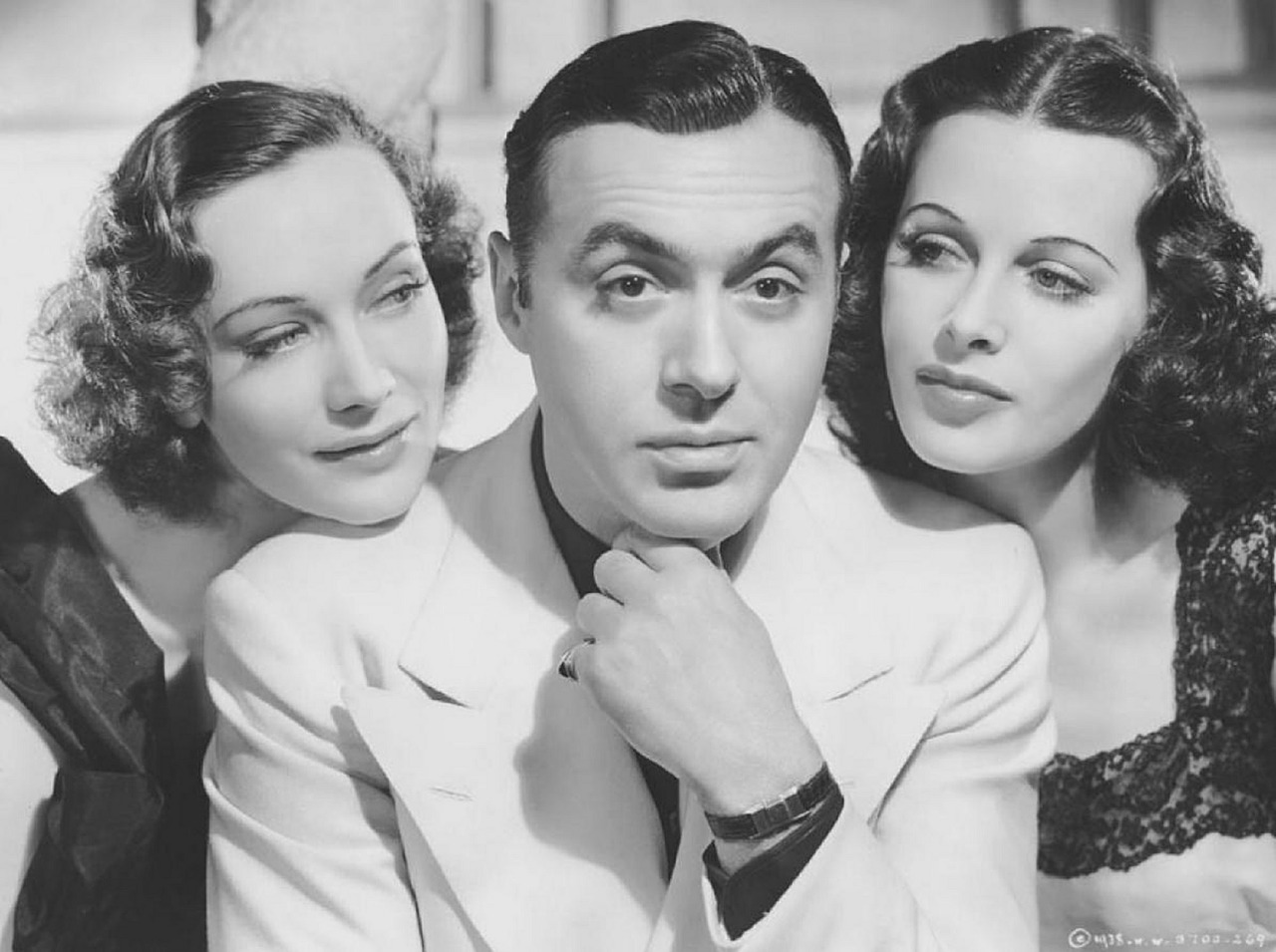 Charles Boyer Sigrid Gurie et Hedy Lamarr.jpg